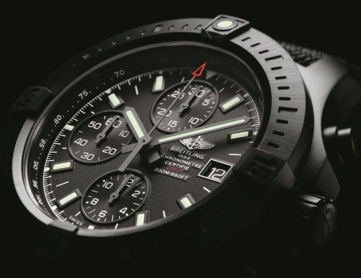 Die Breitling Colt Chronograph Automatic Blacksteel