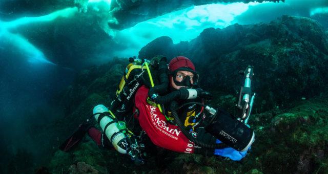 Neu: Fifty Fathoms Bathyscaphe Flyback Chronograph Blancpain Ocean Commitment II