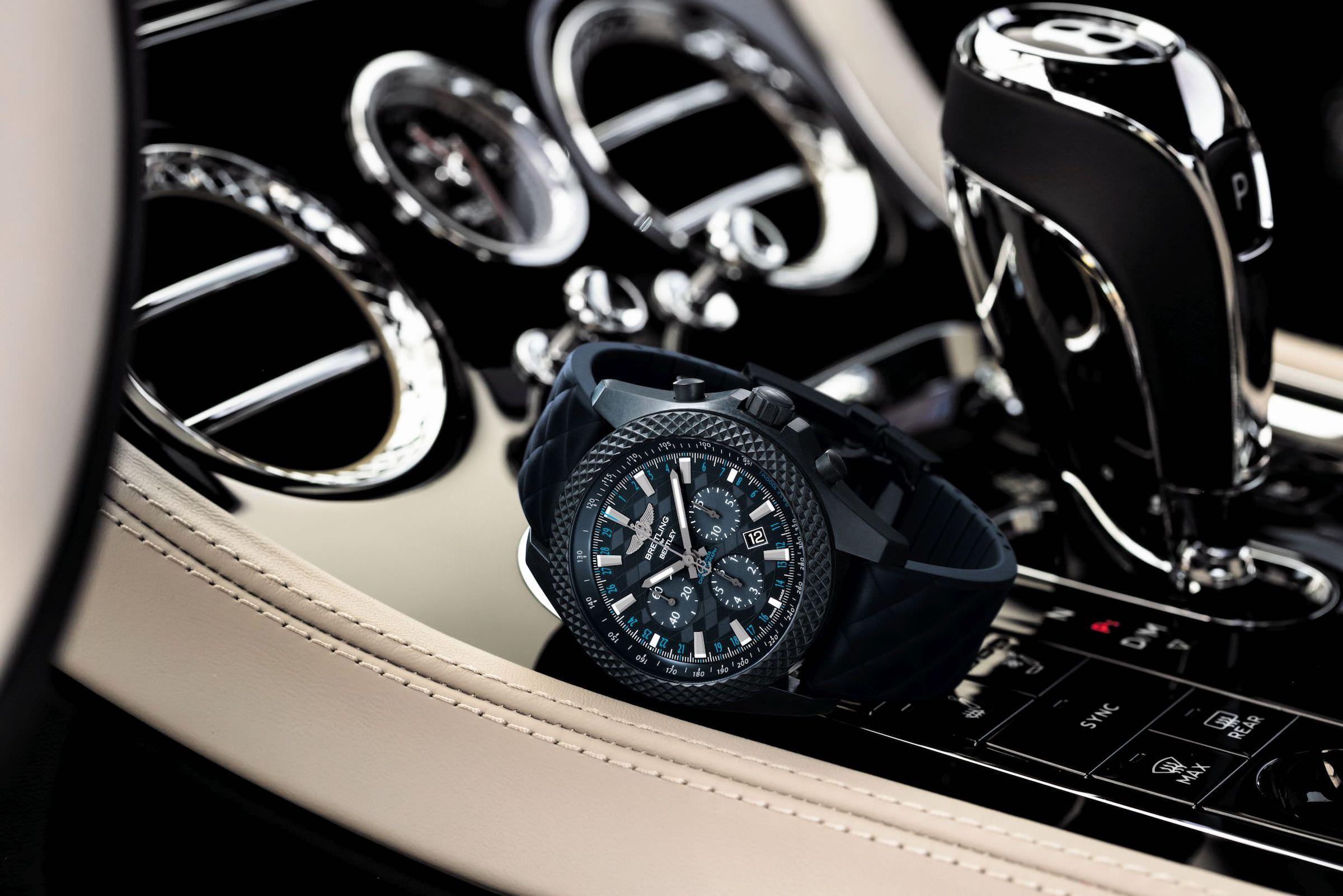 Die Breitling Bentley GT Dark Sapphire Edition