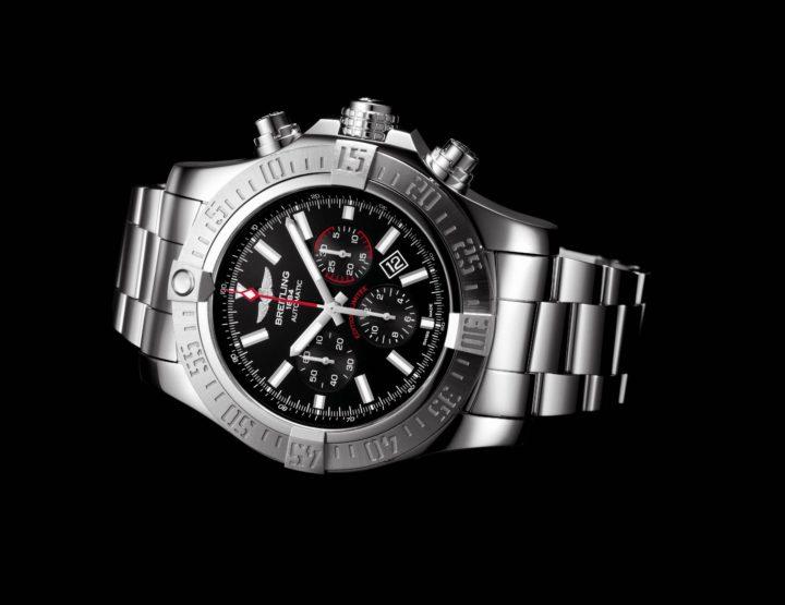 Breitling präsentiert die neue Super Avenger 01 Boutique Edition