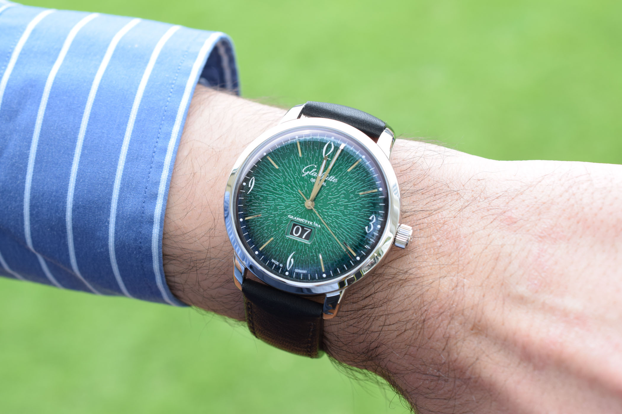 GO Sixties Panorama Date Green Dial 1