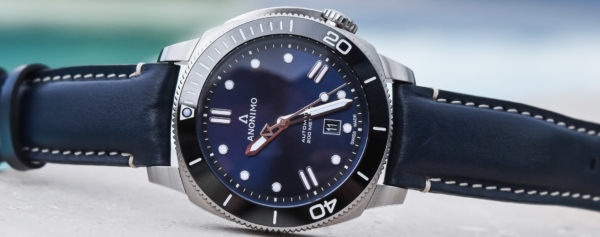 Hands-on – Anonimo Brings New Summer Editions of the Nautilo With Blue Dials