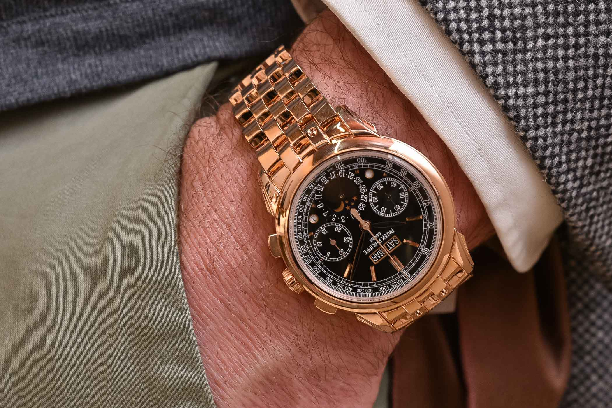 Patek Philippe Perpetual Calendar Chronograph 5270r Gold bracelet