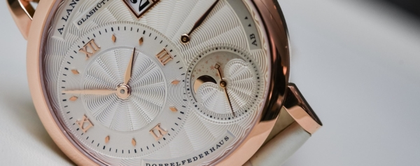 Buying Guide – Our Top 10 Moon Phase Watches for Women