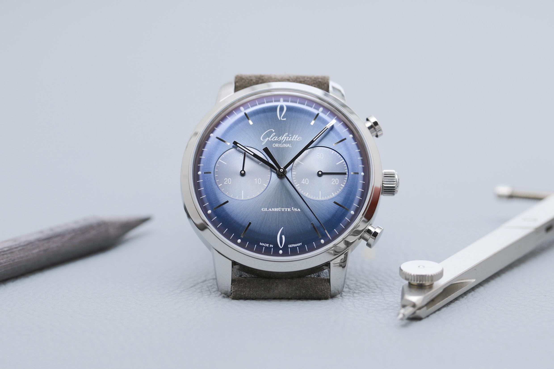 Der neue Sixties Chronograph in Gletscherblau