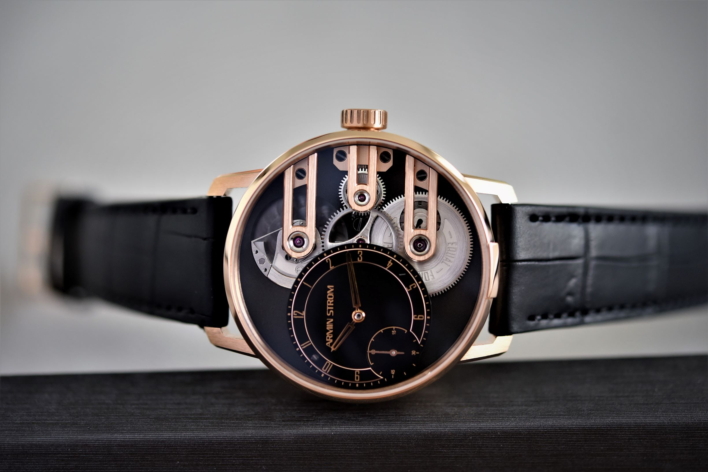 Armin Strom Gravity Equal Force System 78 gold
