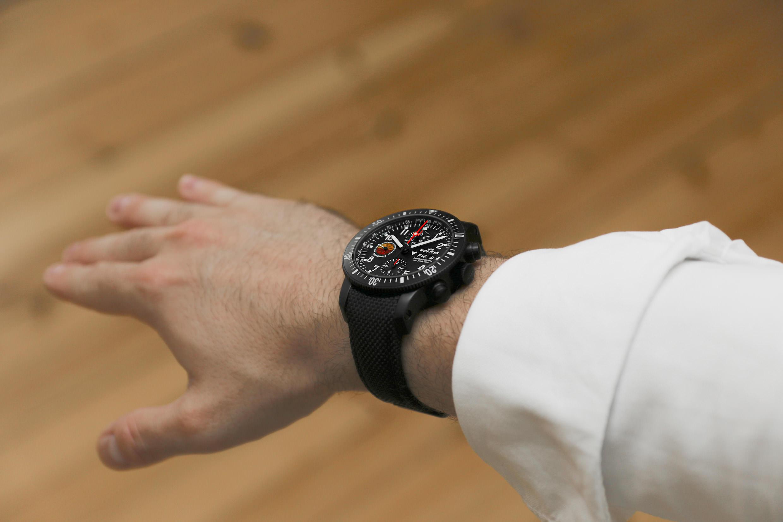 Wristshot der Fortis Amadee-18