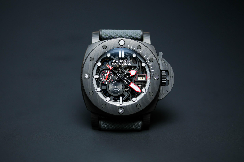 Die neue Panerai Submersible S Brabus Black OPS Edition