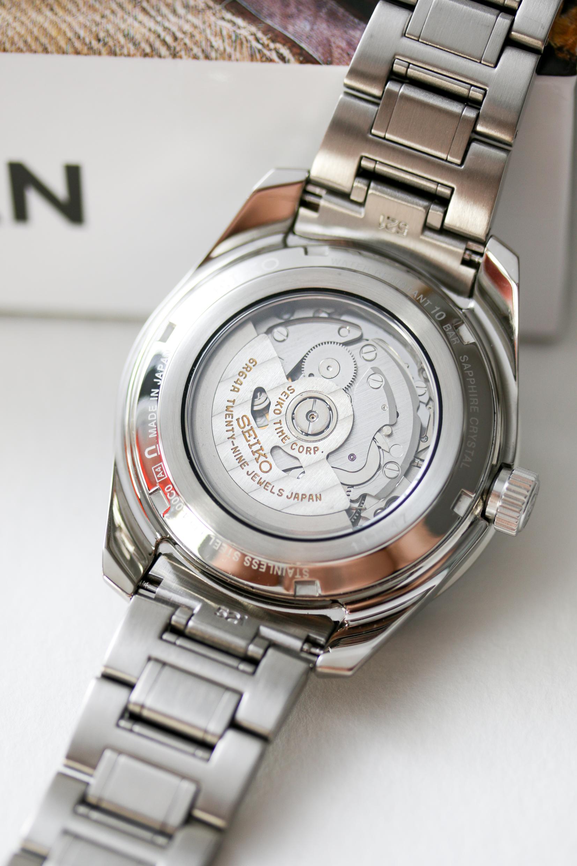 Das Werk der Seiko Presage Sharp Edged GMT